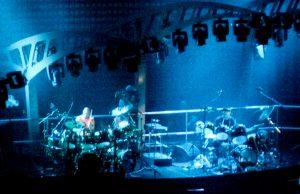 Genesis (Phil Collins en Chester Thompson op drums) in de Amsterdam Arena (1-7-2007)