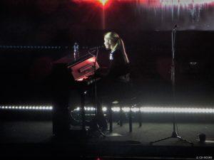 Hannah Reid (London Grammar) in AFAS Live (23-11-2017)