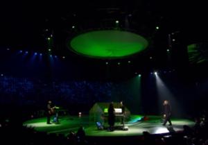 Peter Gabriel op het ronde podium