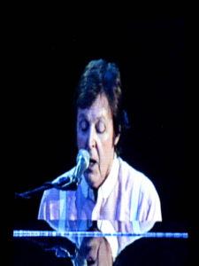 Paul McCartney in Gelredome Arnhem (09-12-2009)
